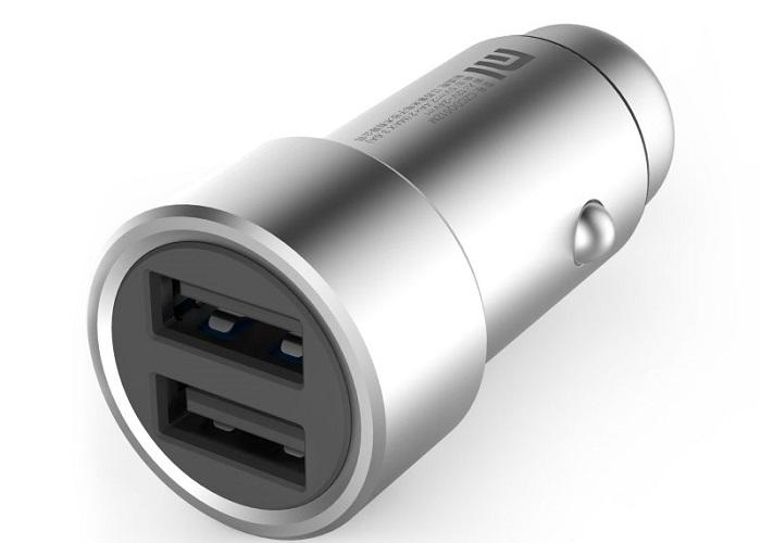 Недорогое зарядное для смартфона в автомобиль / Фото: velasat.ru