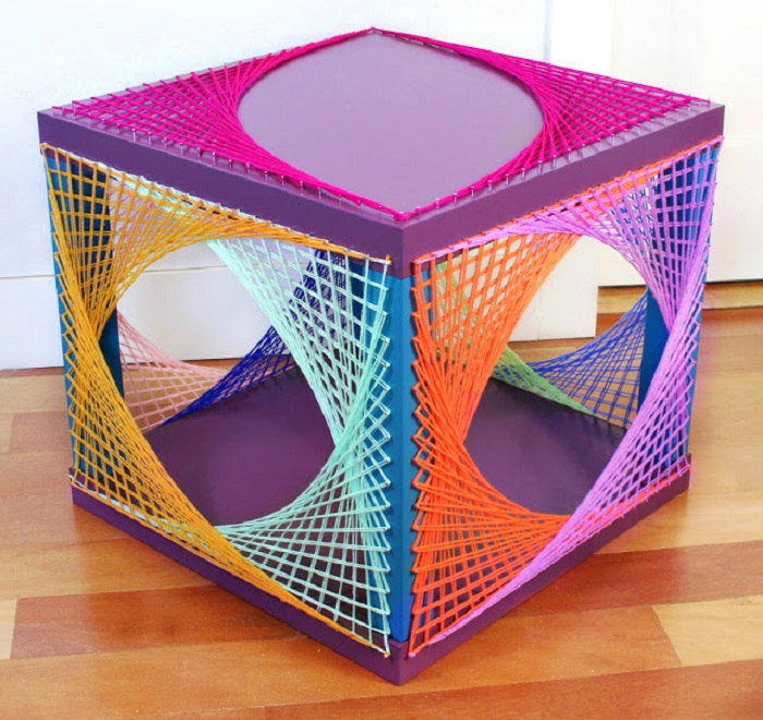 Самодельный многофункциональный стол, который впишется в любой современный интерьер.
