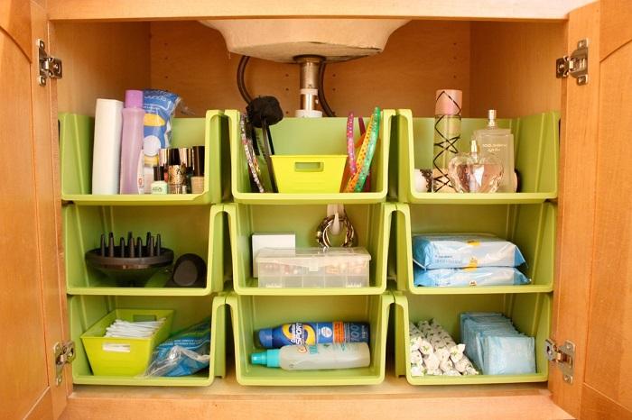 Старые пластиковые контейнеры можно широко использовать в домашнем хозяйстве.