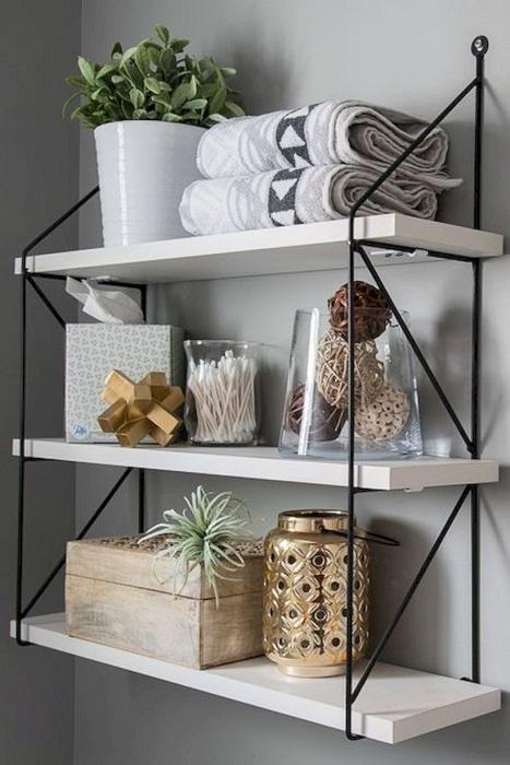 Классические подвесные настенные полки, которые легко можно изготовить своими руками.