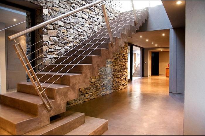 Бетон - это современный и часто используемый материал для сооружения лестниц.