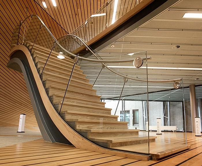 Лестница - это не только средство подъема и спуска, но и важнейший элемент современного интерьера.