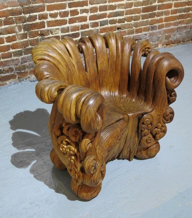 Натуральное дерево - вполне традиционный материал для изготовления мебели.