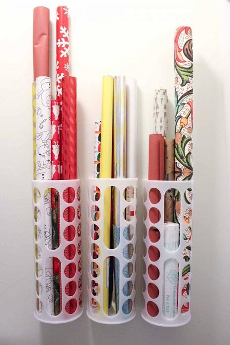Пластиковые органайзеры для подарочных упаковок -  простой способ организовать их компактное хранение.
