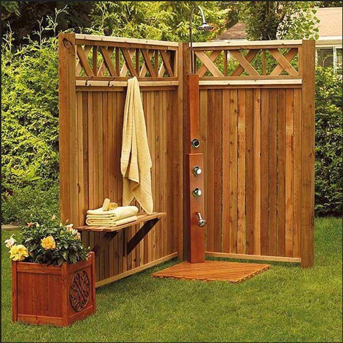 Открытая переносная деревянная конструкция.