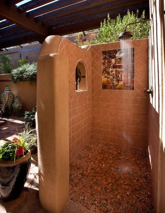 Летний душ – это лучшее средство для снятия напряжения и усталости.