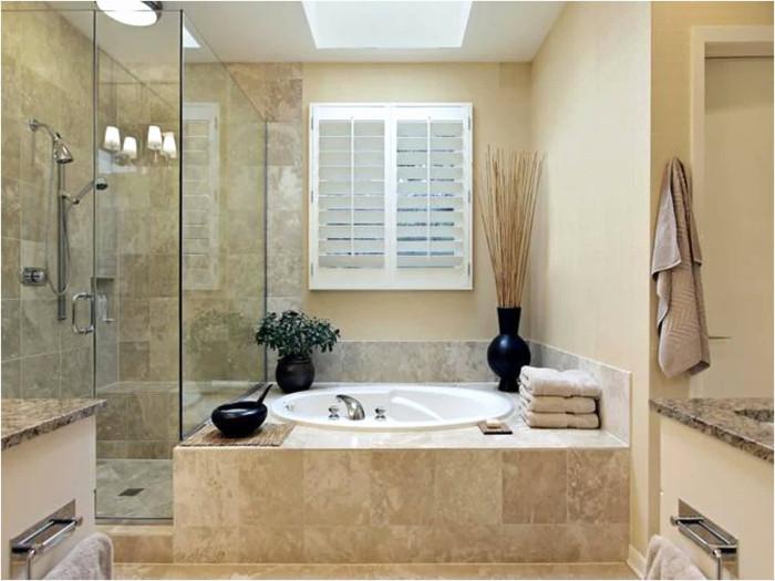 Ванная комната, оформленная в песочных тонах.
