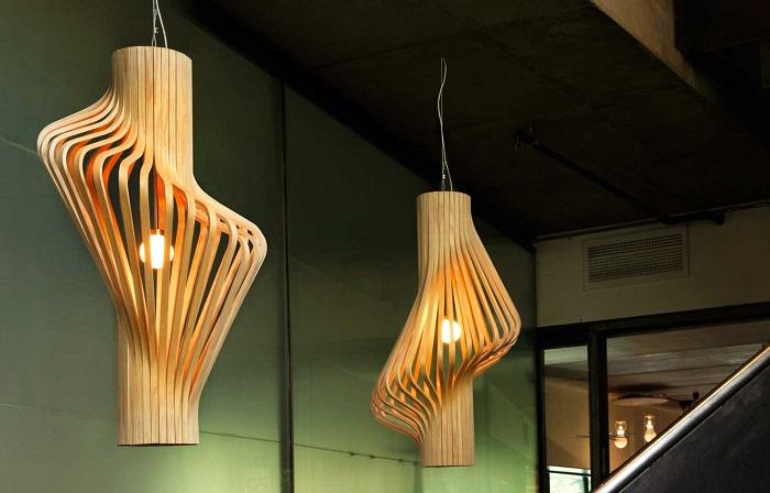 Модные дизайнерские светильники в стиле хай-тек как олицетворение прогресса и высоких технологий.