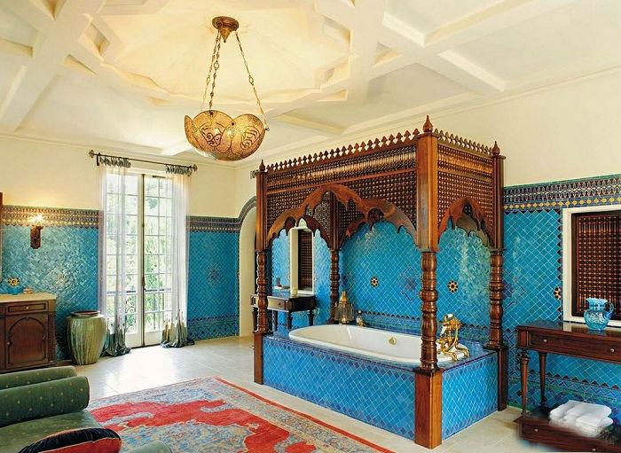 Яркие восточные элементы помогут создать сказочную и богатую атмосферу в любом помещении.