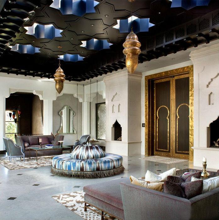 В арабском стиле инкрустация служит в качестве неотъемлемого дополнения к архитектурному облику.