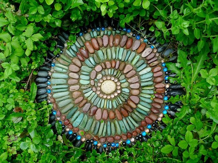 Замысловатая спиральная мозаика.