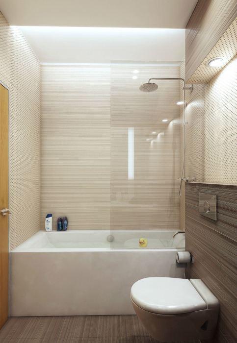 Спокойный и уютный дизайн ванной комнаты с керамической плиткой под дерево.
