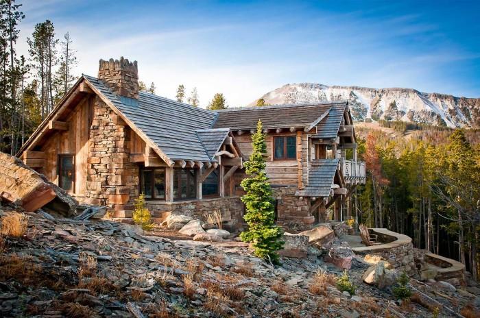 Оригинальная идея создания креативного дизайна современного дома на сложном горном рельефе.