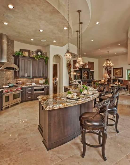 Аристократический стиль в кухне как образец роскоши настоящего королевского помещения.