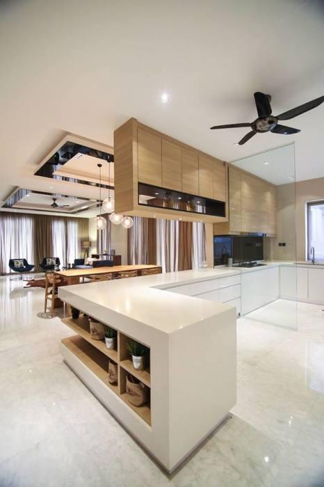 Современные кухонные системы хранения позволяют максимально использовать даже ограниченное пространство.