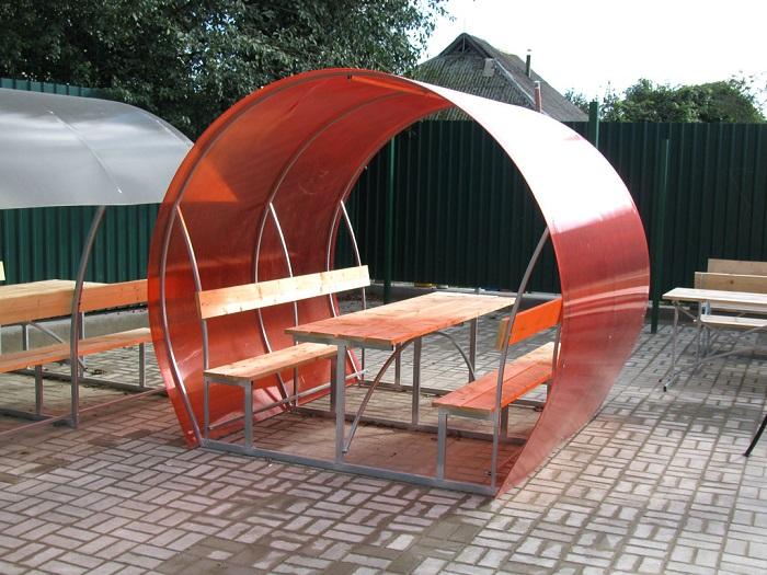 Беседки из поликарбоната на приусадебном участке является неотъемлемой частью ландшафтного дизайна.
