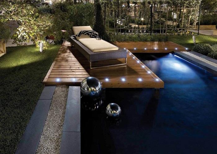 Светодиодные точечные светильники, которые станут идеальным решением для создания вечернего освещения на дачном участке.