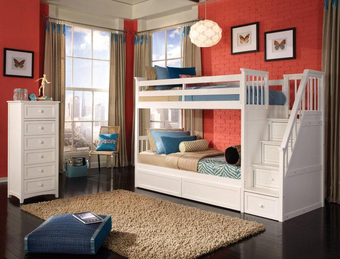 Эргономичная двухъярусная конструкция, которая состоит из двух комфортабельных кроватей и небольших встроенных ящиков.