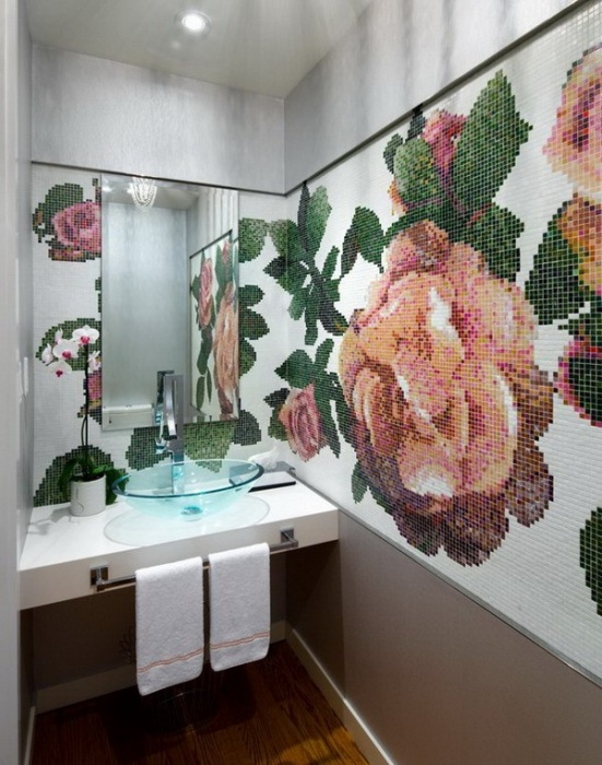 Мозаика в ванной комнате, которая может полностью преобразить нейтральный интерьер.