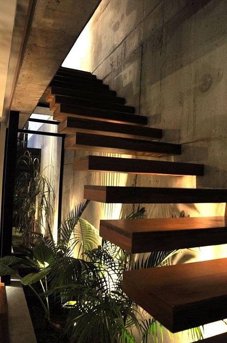 Левитирующая лестницы выглядят стильно и необычно практически в любом интерьере.
