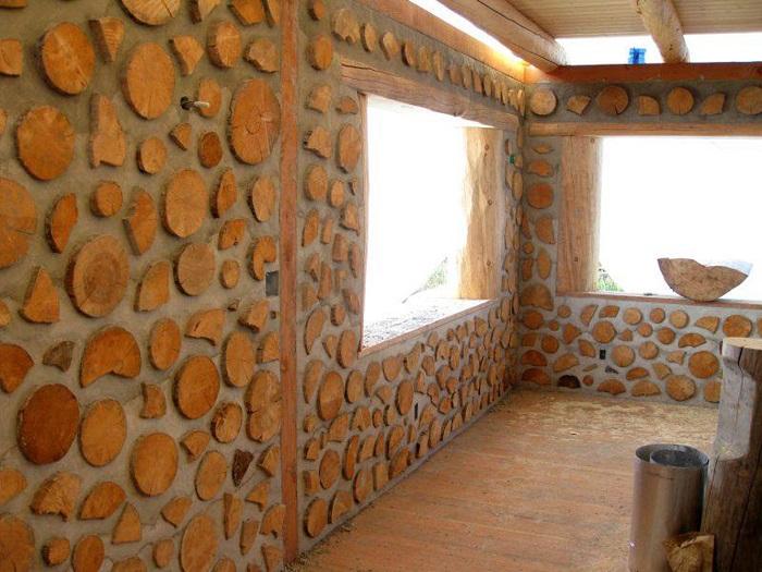 Дом из дров и глины - один из наиболее простых способов строительства.