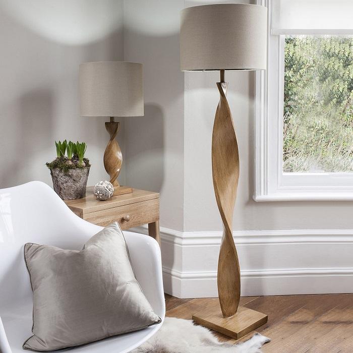 Современный напольный светильник, который станет центральной достопримечательностью любого помещения.