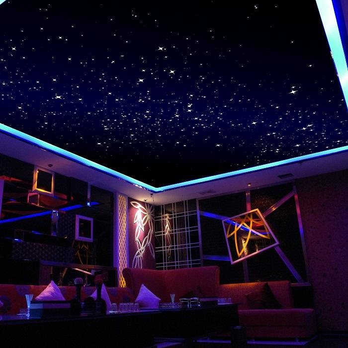 Потолок, усыпанный звездами, всегда очаровывал и помогал создать сказочную атмосферу.