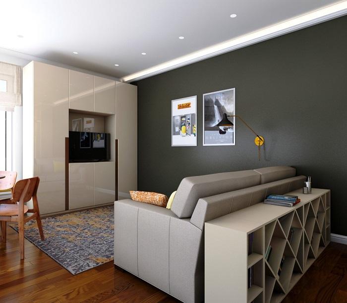 Эргономичный стеллаж за спинкой дивана никогда не будут лишними в интерьере гостиной комнаты.