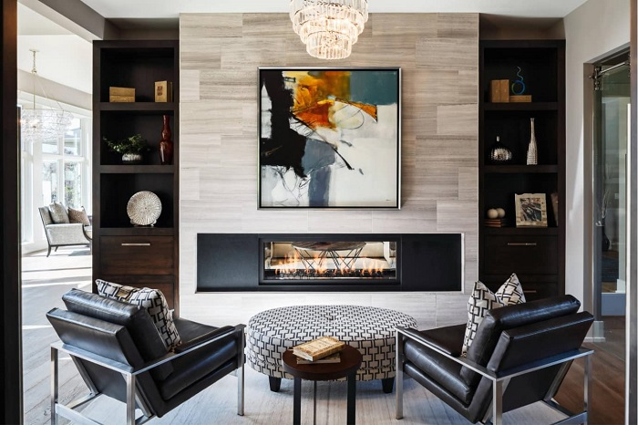 Правильно расположенная мебель в гостиной поможет отделить зону отдыха от рабочей.