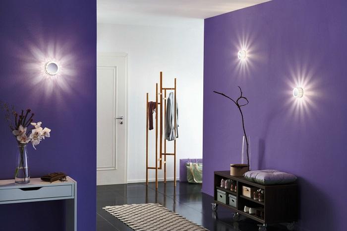 Настенные лампы в стиле хай-тек, которые радикально отличаются от своих классических предшественников.