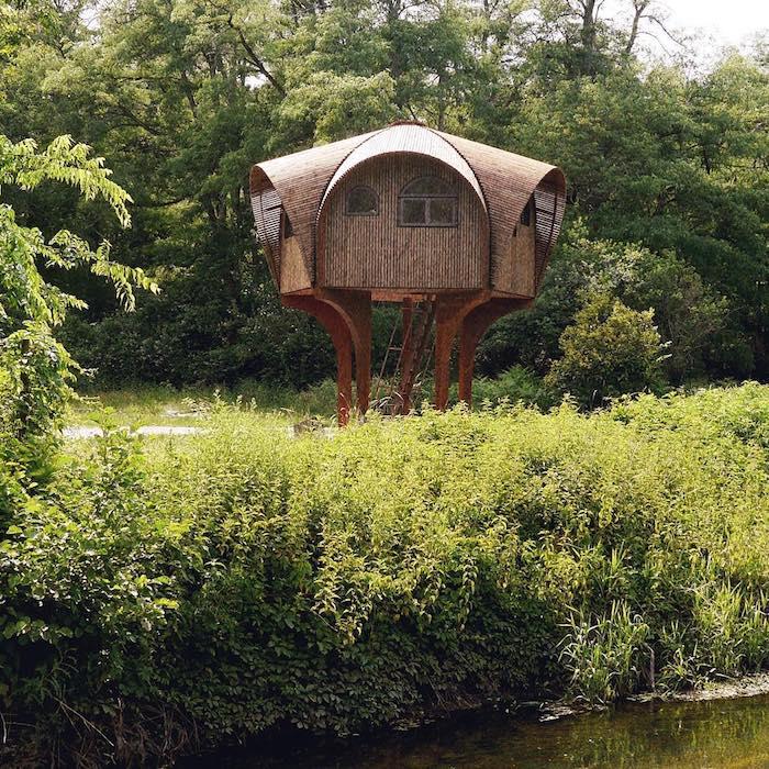 Убежище для туристов в сельской местности Франции.