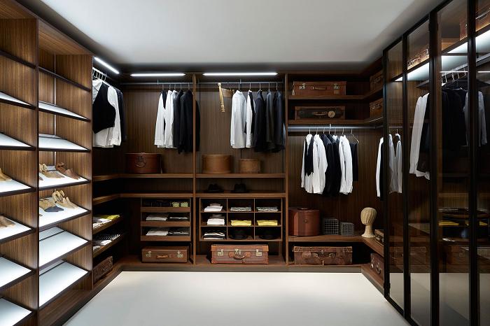Функциональная система для хранения большого числа обуви, аксессуаров и вещей в грамотно обустроенном месте.