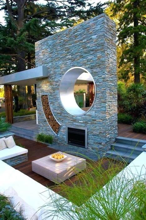 Отличное место для тех, кто любит проводить время на свежем воздухе и посидеть возле открытого огня на даче.
