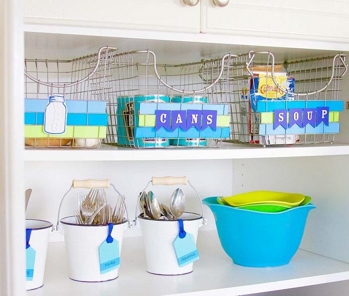 Благодаря эргономичным и функциональным металлическим корзинам, каждая вещь на кухне найдет свое место.