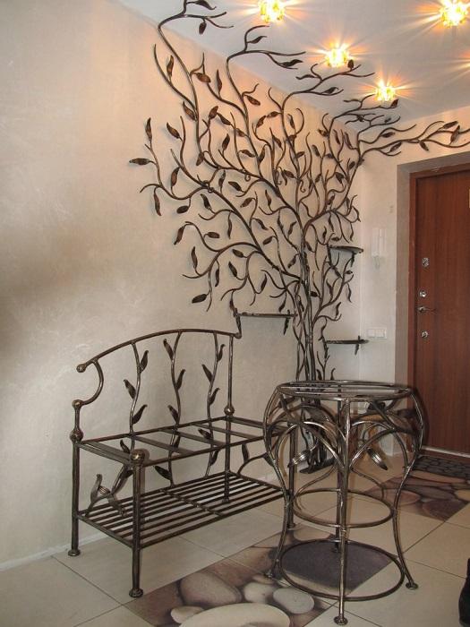 Декоративные кованые элементы станут достойным украшением любого помещения.