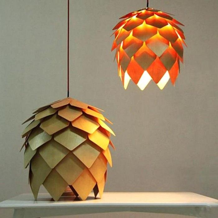 Подвесные светильники из эко-материала с нестандартным дизайном.