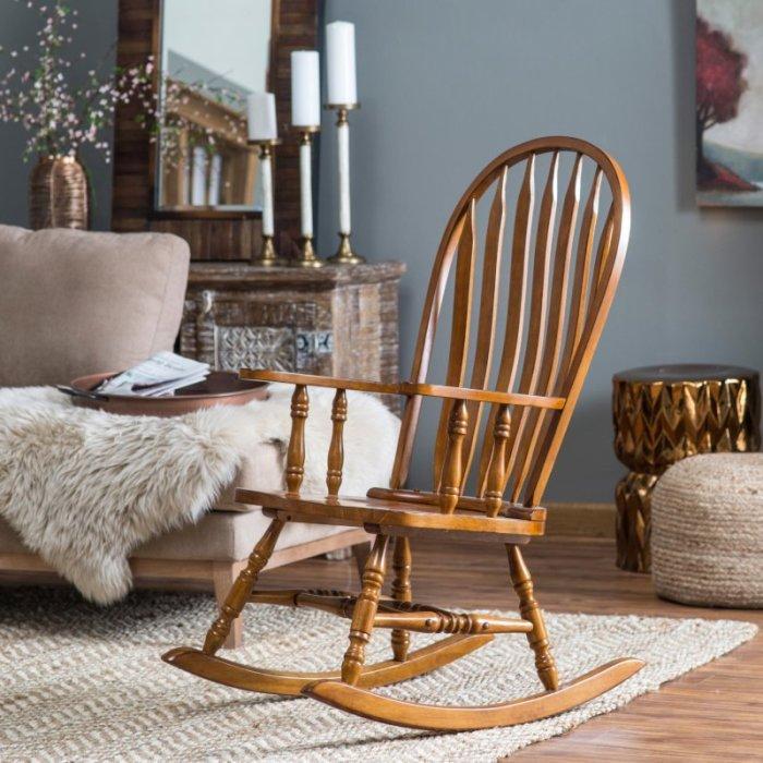 Деревянное кресло-качалка, которое поможет расслабится, отвлечься от ежедневных проблем и навязчивых мыслей.