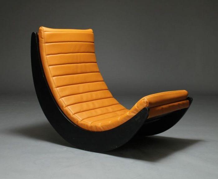 Минималистский дизайн этого кресла-качалки делает его идеальным дополнением к любому помещению.