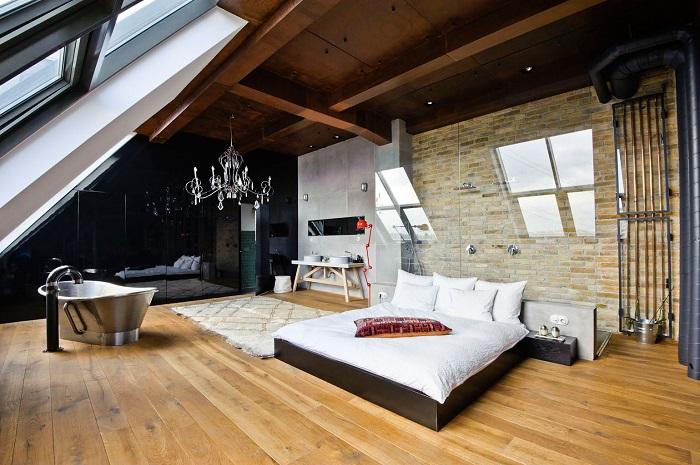 Объединение ванной комнаты со спальней в одном просторном помещении.