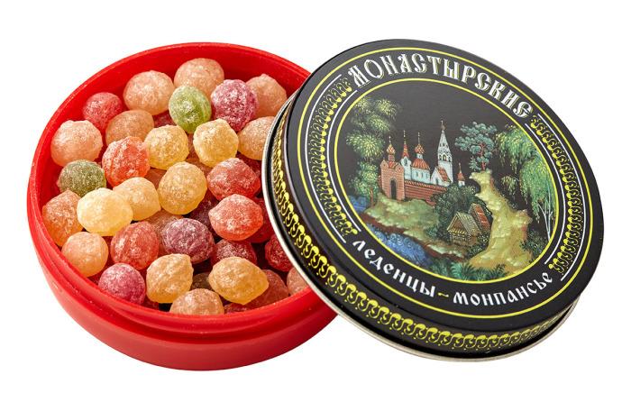 Фруктовые разноцветные леденцы в жестяных коробочках, которые считались самой популярной сладостью в СССР.