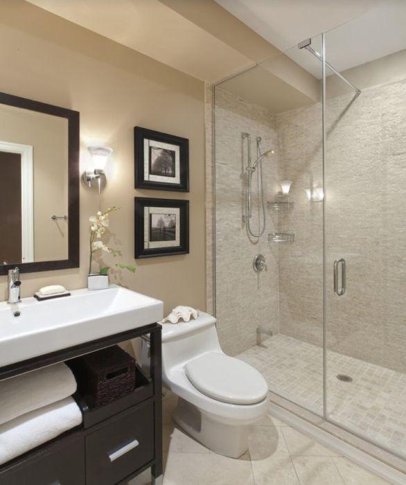 Оформление ванной комнаты в бежевых тонах - универсальный вариант, позволяющий визуально расширить малогабаритное помещение.