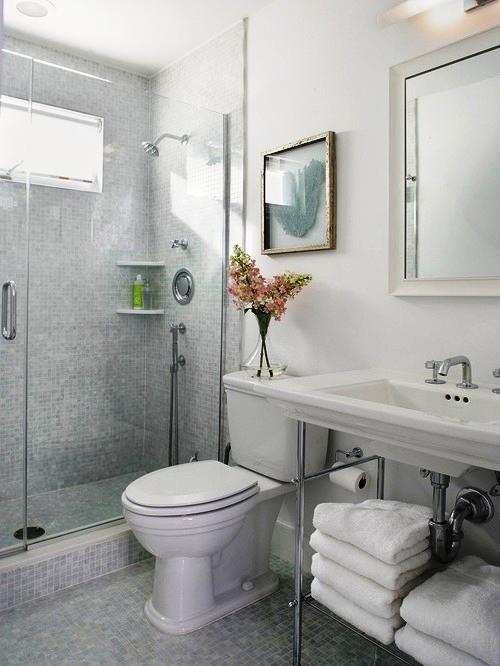 Тщательное планирование интерьера – ключ к созданию комфорта даже в самой малогабаритной ванной комнате.