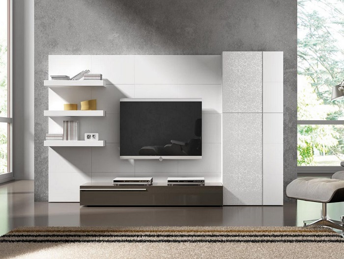 Современная модульная стенка светлого оттенка, которая оживит зону для просмотра телевизора.