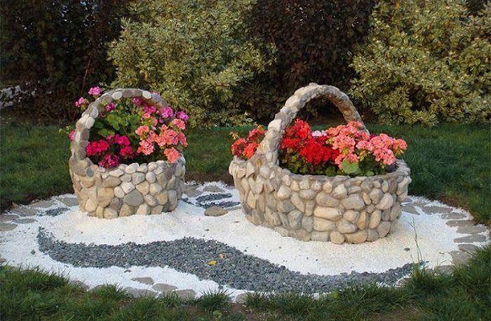 Изготовление поделки из бетона и камня – достаточно увлекательное, но кропотливое занятие.