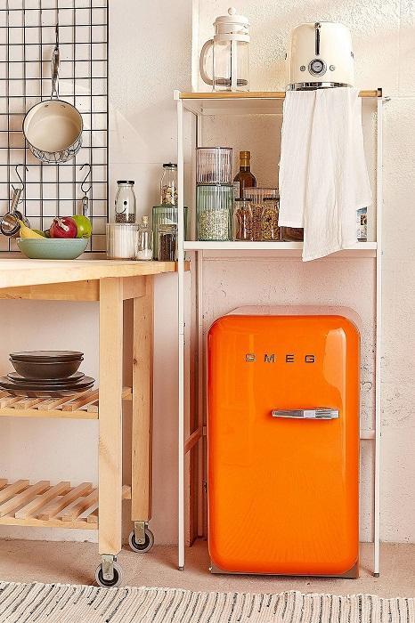 Маленький холодильник для напитков - это идеальное решение для всей семьи в знойный день.