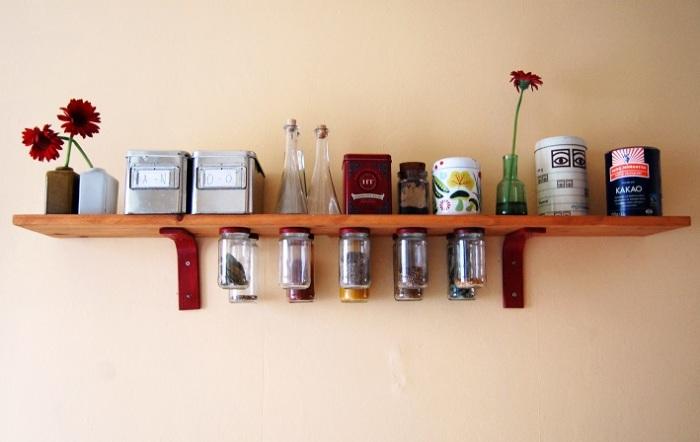 Подвесные банки для сыпучих продуктов - это прекрасные органайзеры для организации пространства на кухне.