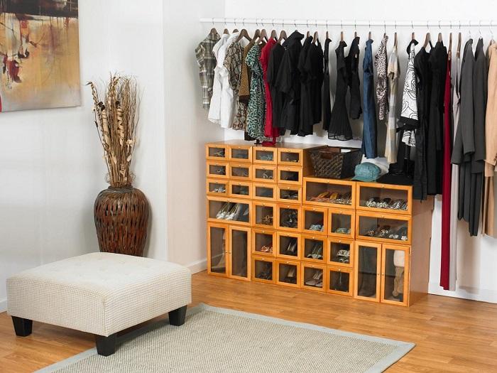 Классические деревянные шкафы, которые отлично подойдут для хранения большого количества обуви.