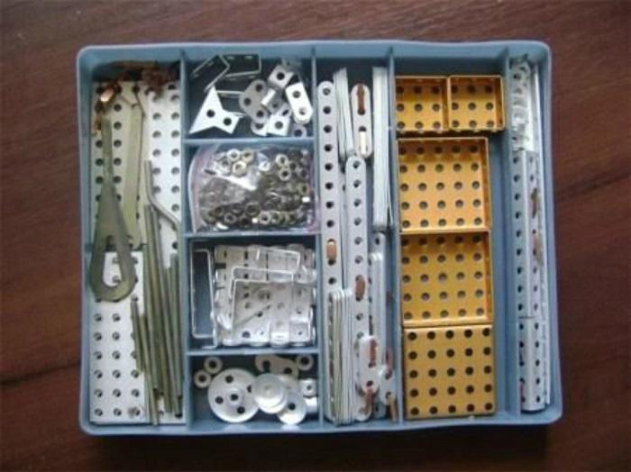 Детский металлический конструктор для мальчиков родом из СССР.