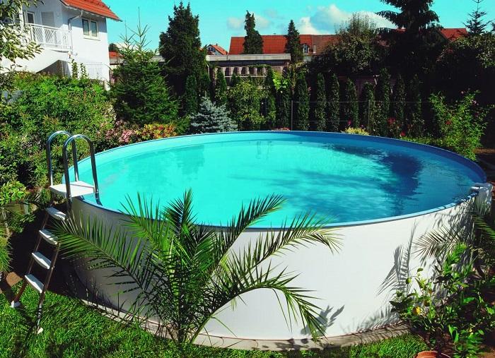 Идеальный бассейн для тех, кто мечтает о тропической атмосфере круглый год.