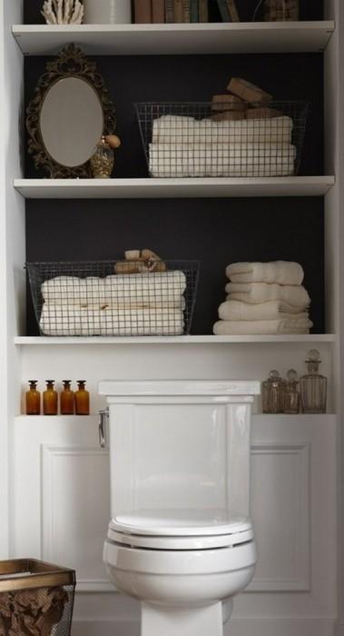Традиционные деревянные полки для банных принадлежностей, которые отлично впишутся в любой интерьер ванной комнаты.